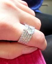 特!珠宝款 超精美微镶五排锆石镀白金钻戒 奢华名媛 戒指 爆闪 价格:34.95