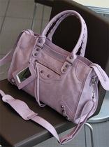 韩国经典代购 包包2013新款 潮 女 中号机车包包邮 时尚手提女包 价格:88.20