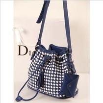 2013年新款拼接编织包 复古格纹水桶包单肩包斜跨包 复古包潮包包 价格:79.00