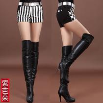 2013秋装新款黑白条纹热裤格子女裤 时尚PU皮拼接针织皮裤 皮短裤 价格:158.00
