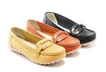 新款妈妈鞋中老年真皮防滑坡跟软底鞋平底鞋高档牛�h底正品女单鞋 价格:68.00
