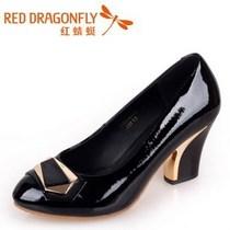 红蜻蜓正品2013秋款漆皮女鞋33DB36851黑33DB36852红33DB36853 价格:205.00