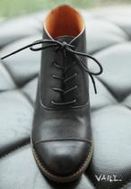 2013秋款中跟真皮系带圆头复古百搭及踝靴女靴单短靴 价格:198.00