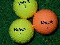 大品牌彩球VOlViK高尔夫二手球,高尔夫二手球3层球9.5成新超值 价格:5.00