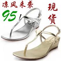 包邮香港丽人达芙妮凉鞋女正品2013夏新中坡跟夹趾鞋子1013303203 价格:95.00