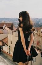 香港代购 秋装小香风经典 赫本小黑裙 复古无袖蓬蓬连衣裙子公主 价格:792.00