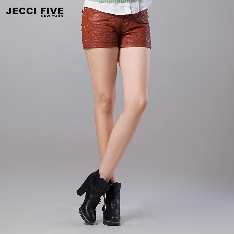 JC5 杰西伍 2013秋冬新款 时尚菱形格铆钉皮短裤修身显瘦女PU皮裤 价格:139.00