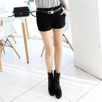 2014春装新款韩版女装时尚蕾丝拼接修身短裤 价格:79.00