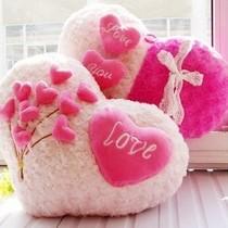 千年以后 创意可爱靠枕靠垫抱枕 情侣爱心玫瑰绒大抱枕 结婚礼物 价格:38.00