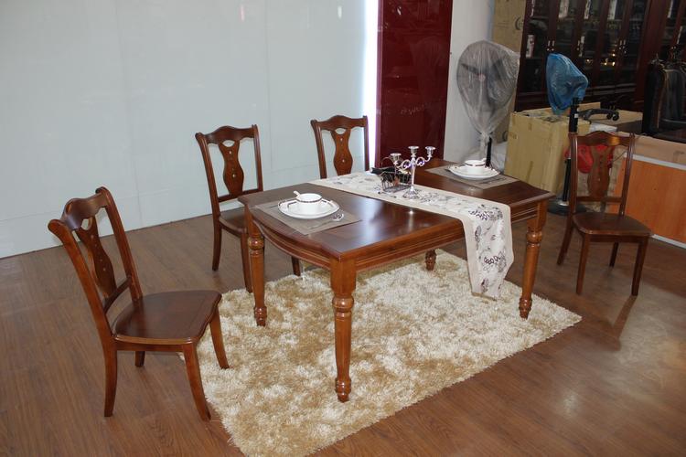 全实木餐桌 橡胶木餐桌 纯实木吃饭桌子台面 实木橡木餐桌 餐桌 价格:1270.00