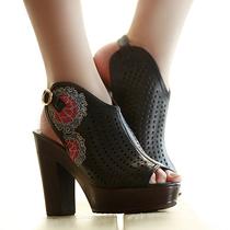 素萝 古寻 原创设计品牌民族风女鞋 加厚防水台绣花高跟鱼嘴凉鞋 价格:288.00