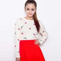 2013早秋女装新款 欧美性感红唇字母刺绣圆领前短后长针织衫上衣 价格:88.00