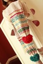 放价狂欢圣诞的雪花超大球球双色可爱女新款毛线围巾入白黑红 价格:39.00