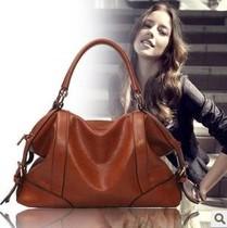 新款女包2013韩版时尚蜡油牛皮亮面女包包单肩斜跨手提女包包邮 价格:85.00