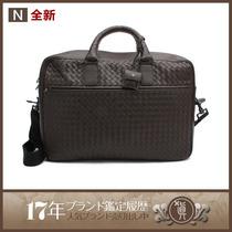 BV男包男士公文包246615手提包斜挎包 深棕色小牛皮材质 欧美流行 价格:5250.00
