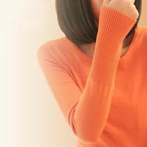 2013秋装新款 女装韩版修身中长款套头 圆领打底衫针织衫 毛衣 女 价格:159.00