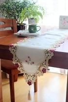 颐然 田园布艺 时尚简约 欧式奢华 桌布茶几 餐桌 刺绣小桃红桌旗 价格:65.00