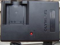 奥林巴斯 FE240 FE250 FE20 FE5010 FE3000 FE401相机充电器 价格:40.00