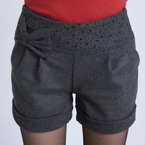 包邮2013秋冬新款毛呢短裤女大码纯色卷边显瘦时尚休闲短靴裤热裤 价格:35.00
