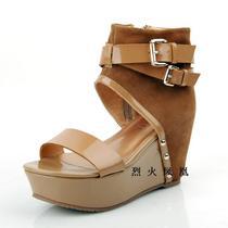 焦点女孩2013夏季凉鞋真皮牛皮坡跟防水台韩版罗马鞋露趾凉鞋清仓 价格:49.00