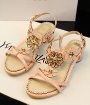 欧美大牌夏季新款真皮粗跟中低跟花朵凉鞋 超美甜美公主范 价格:268.00
