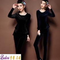 2013秋女装新款 品牌服饰 必备流行休闲职业套装 丝绒上下两件套 价格:299.00