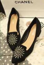 2013新品 韩国精品手工绣花绒面尖头中跟OL黑色外贸原单单鞋女鞋 价格:65.00