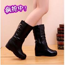 2013特价秋冬女靴子简约短靴达芙妮靴子机车中跟雪地羊皮靴子女鞋 价格:99.00