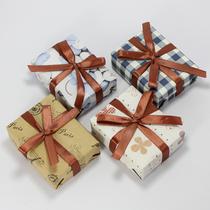 艾玛礼物 精美礼品包装 8款选 送贺卡 代写贺词 需和商品一起拍下 价格:5.00