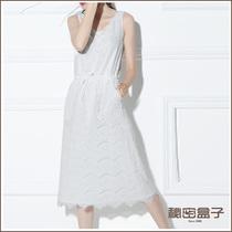 柔美真谛 秘密盒子2013夏新款圆领无袖中长裙女装背心蕾丝连衣裙 价格:189.00