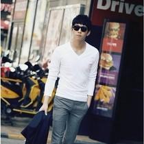 热卖2013新款长袖T恤男装青年纯色V领修身打底男式T恤衫 打底衫 价格:49.00