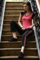 碧利斯健身服 纯棉加莱卡玫红短袖长裤健身套装特价促销 价格:128.00