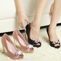 韩版水钻Asuka秀李小璐婚鞋miu家高跟蝴蝶结搭扣鱼嘴粗跟单鞋757 价格:128.64