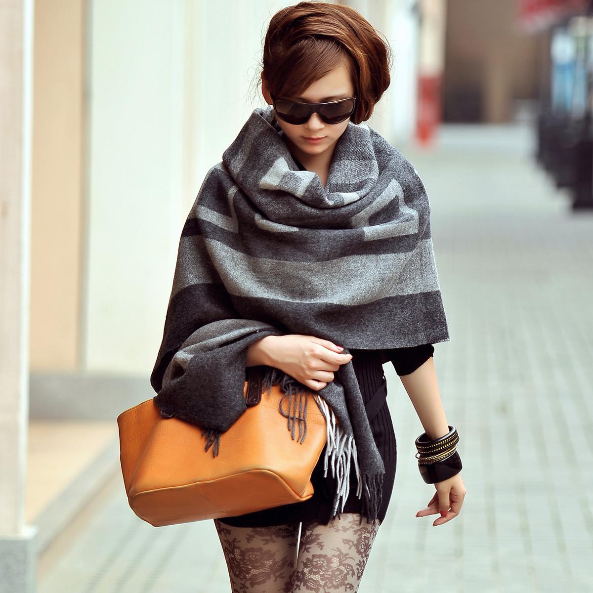 2013N.LIFE新款正品空调房女士格子羊毛披肩围巾两用加大加厚秋冬 价格:258.00