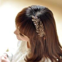 可爱天使《我的公主》金泰熙 佩戴韩国进口闪亮串珠树叶发箍 价格:9.80