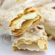 特价台湾进口食品宏亚蜜兰诺77松塔千层酥杏仁饼干14支250g 价格:15.00