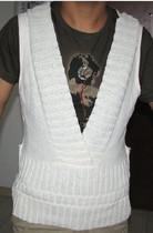 专柜正品 贝拉维拉 白色针织衫 原590元 165/88A 价格:88.00