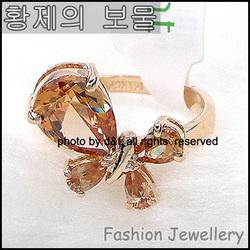 全场7折RS027玫瑰金--香槟水晶蝴蝶戒指★至尊宝★★