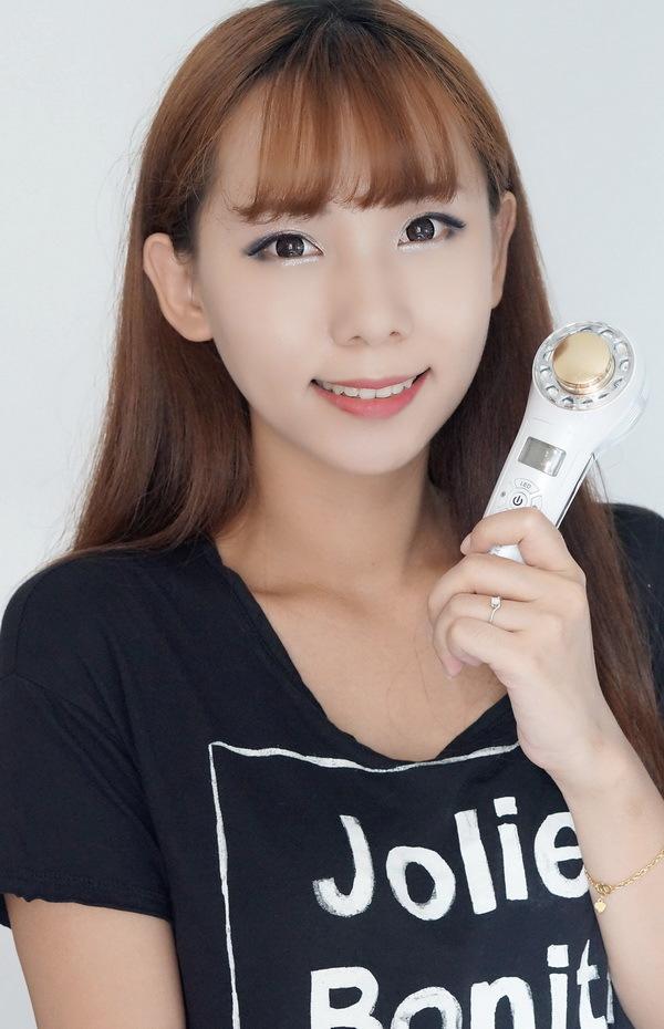 清理毛孔是关键,导入仪让肌肤超好吸收 - BIBI -