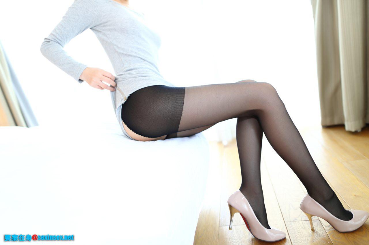 ROSI1011性感黑絲襪美腿高跟寫真