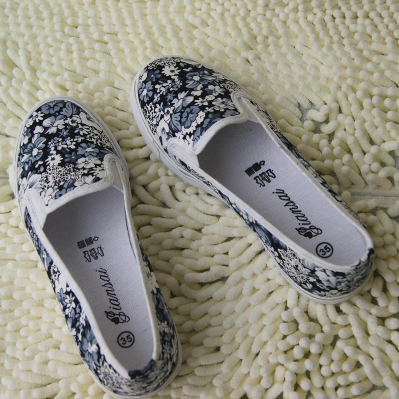 Женские кеды Новая весна/лето 2014 ступит обувь небольшой цветочный ленивые люди корейские девушки туфли медсестер обувь почта
