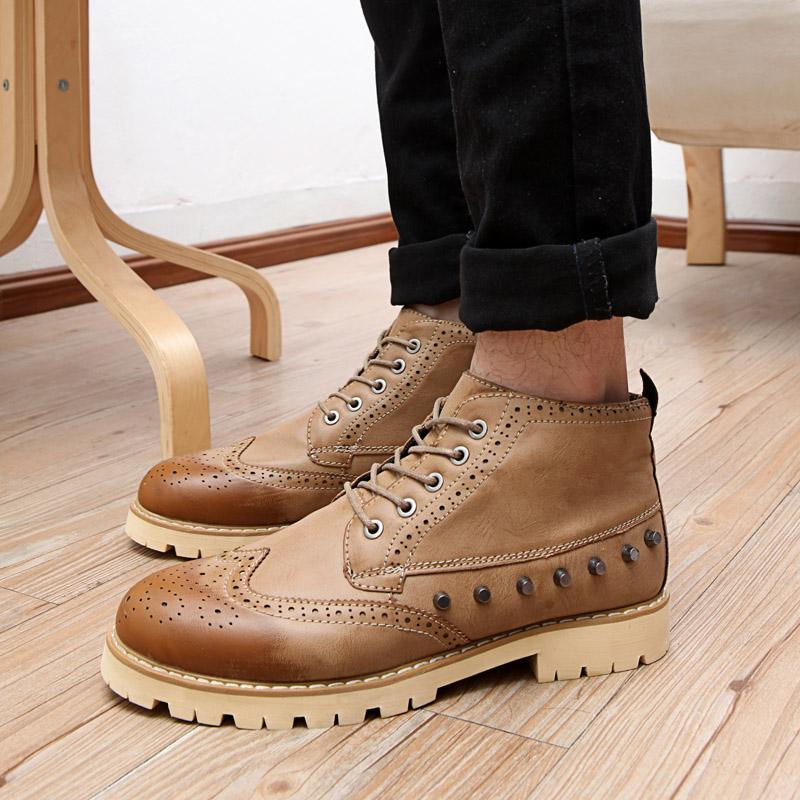 Демисезонные ботинки Изогнутые бум зимний лес обувь Великобритании Ветер платформы обувь ретро случайные резные Брок корейские мужчины обувь