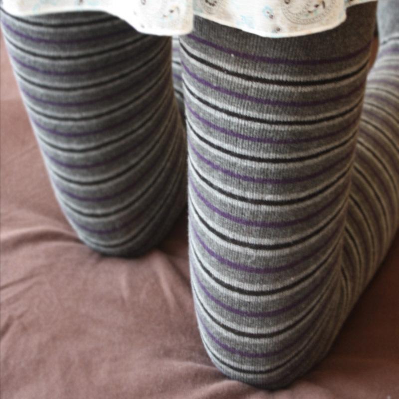 Леггинсы 2013 год весной и осенью спец новой корейской версии тонкий оригинальной мозаичной серый безногий носки Комбинезоны горизонтальной полосой